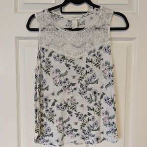 (H&M) Floral and Lace Tank Medium Butterfly